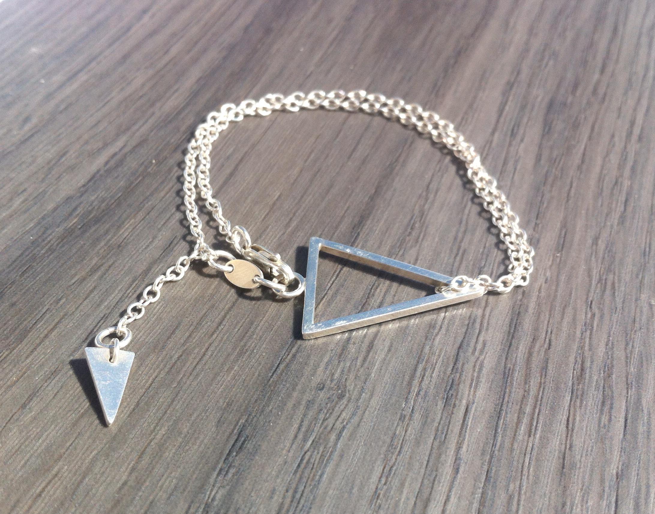 LT02 silver triangle bracelet