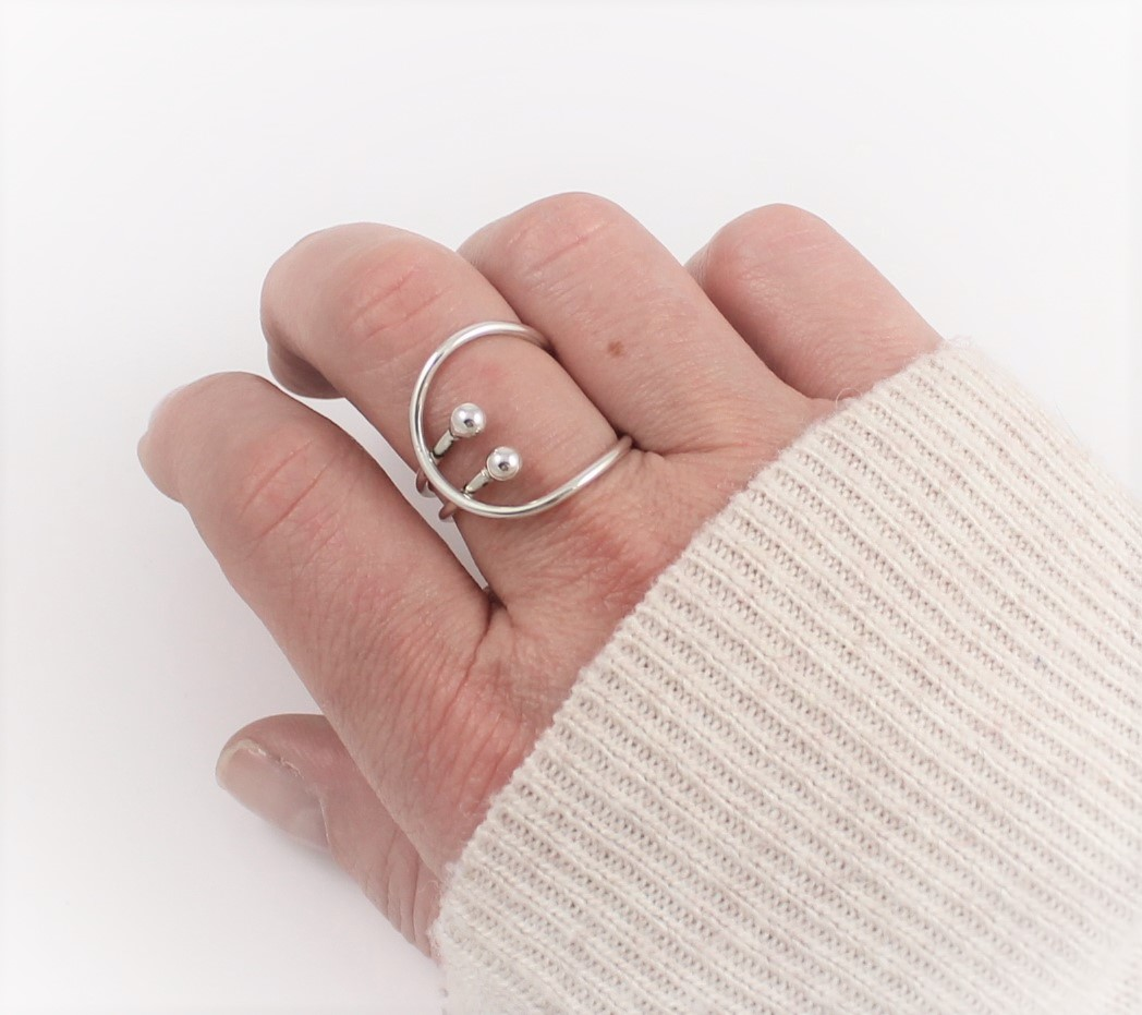 Handcrafted Silver Contemporary Infinity Ring with balls EMJD359 ...